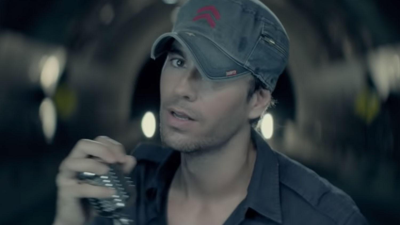 "Enrique Iglesias feat. Sean Paul, Descemer Bueno & Gente de Zona ""Bailando"""