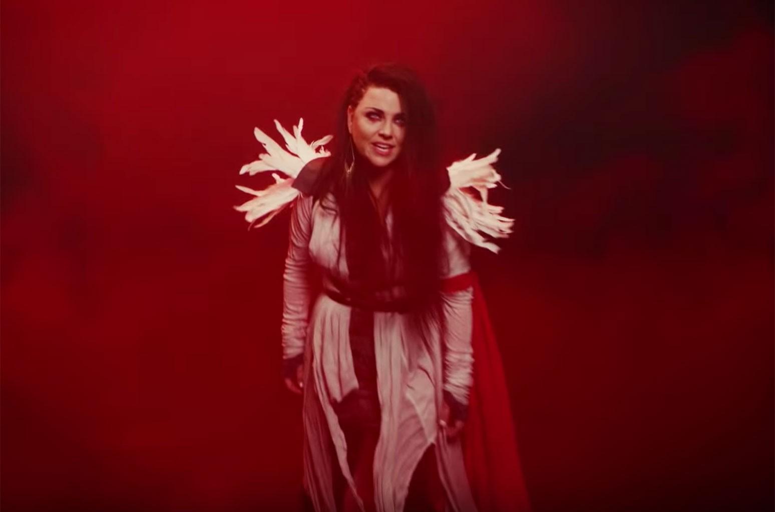 Evanescence Covers Fleetwood Mac's 'The Chain': Watch | Billboard |  Billboard