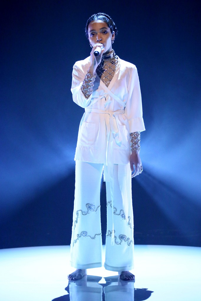 FKA Twigs the tonight show with jimmy fallon