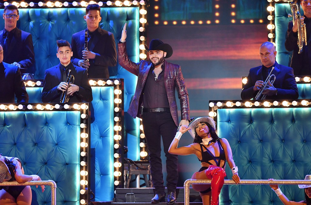 Gerardo Ortiz performs onstage during Univision's 29th Edition of Premio Lo Nuestro A La Musica Latina at the American Airlines Arena on February 23, 2017 in Miami, Florida.  (Photo by Rodrigo Varela/Getty Images For Univison Communications)