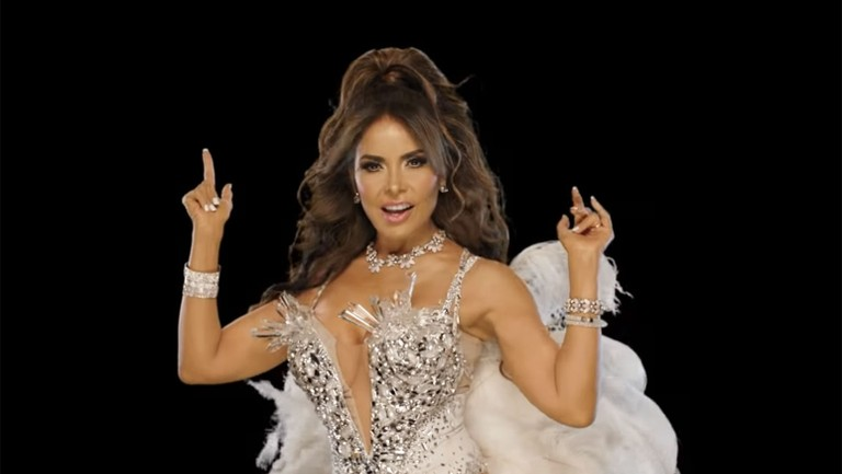Viva Friday Playlist Gloria Trevi Joss Favela More New Latin