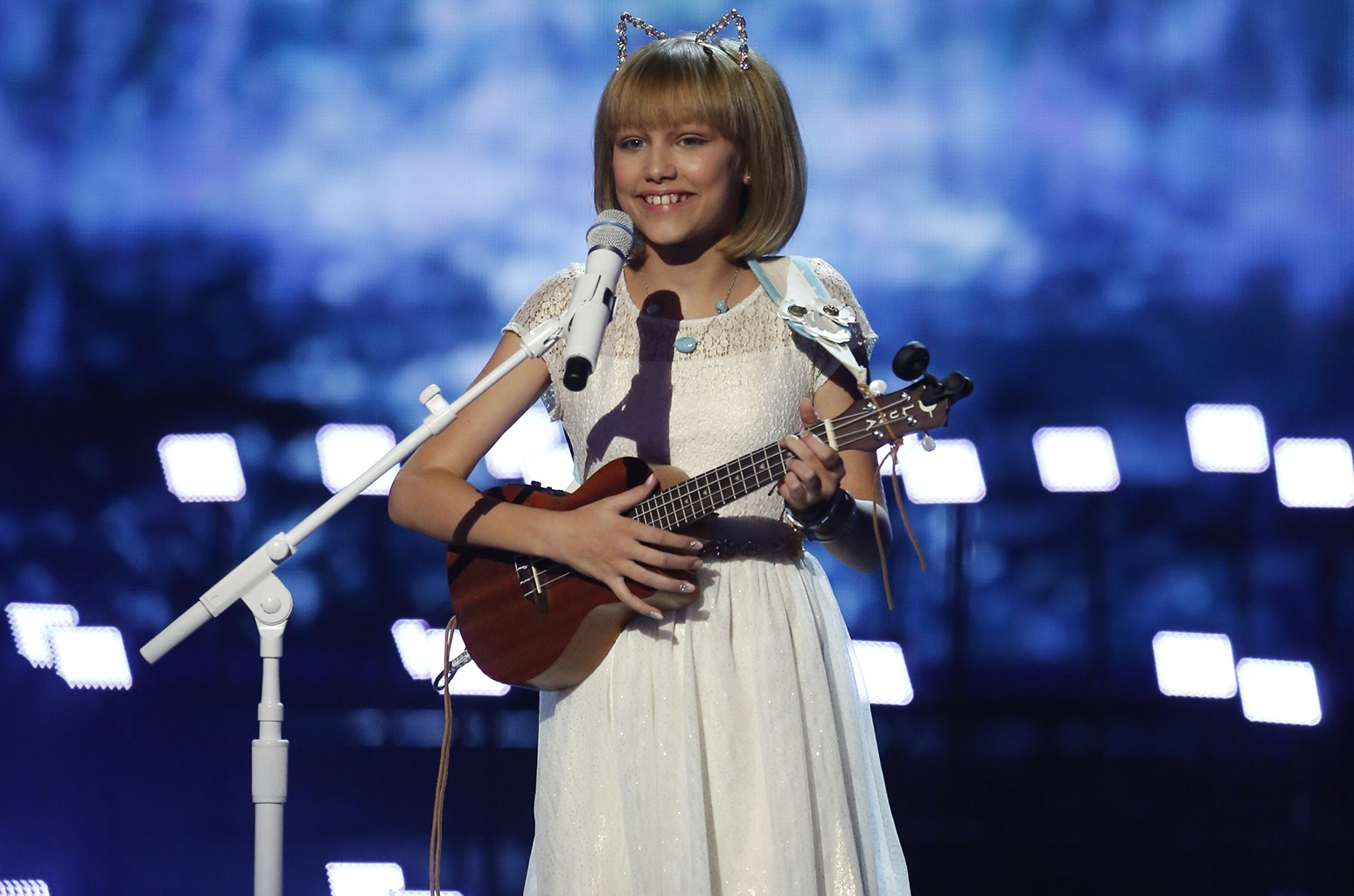 Grace VanderWaal on America's Got Talent.