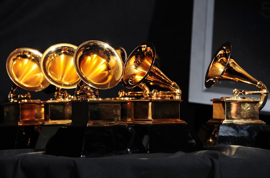 Grammy-Awards-table-billboard-1548