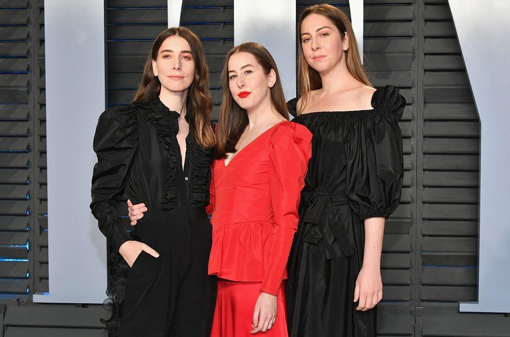 HAIM-2018-Vanity-Fair-Oscar-Party-billboard-1548