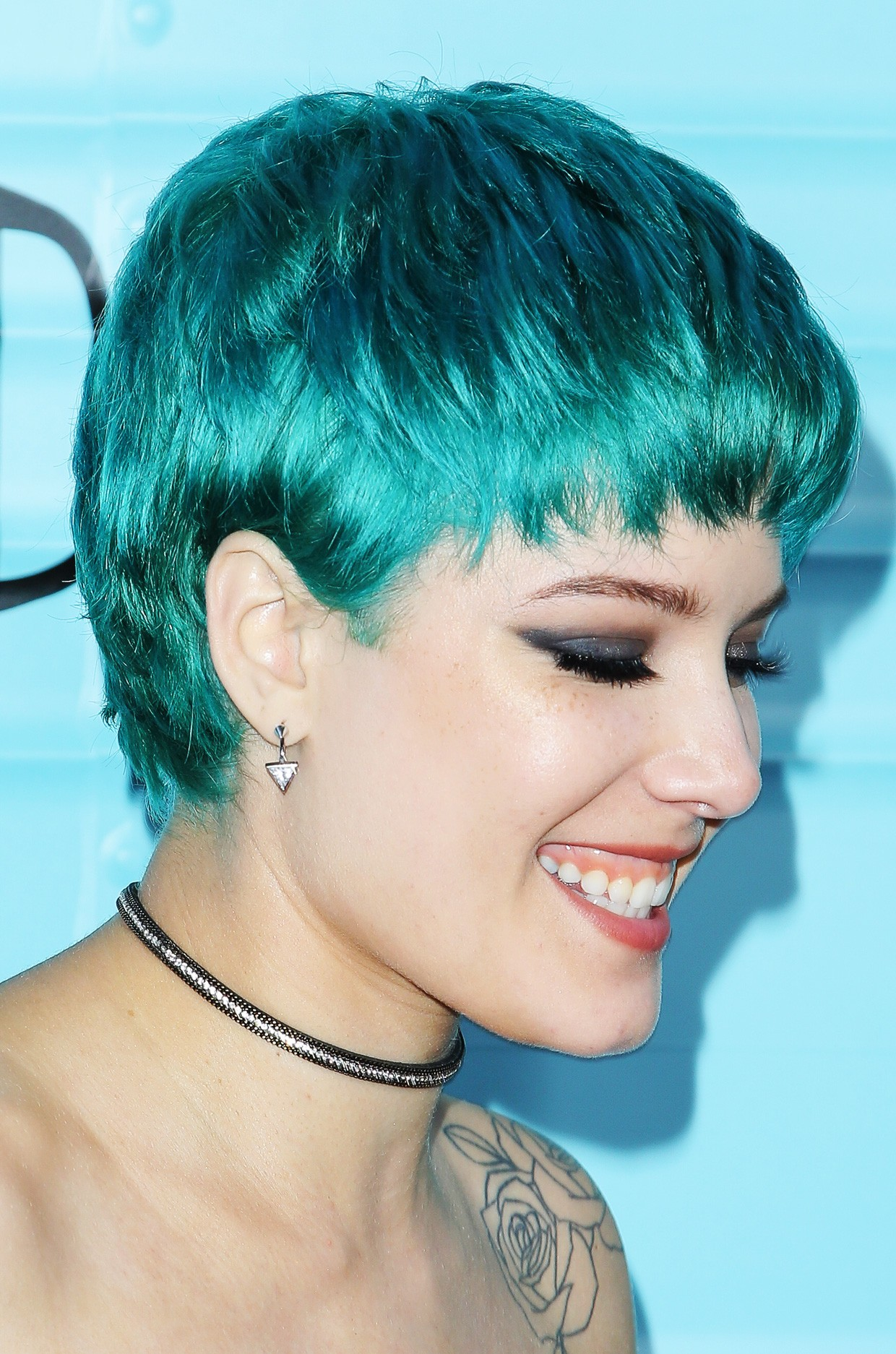 Halsey S Hair Evolution From Blue Dos To Buzz Cuts Billboard