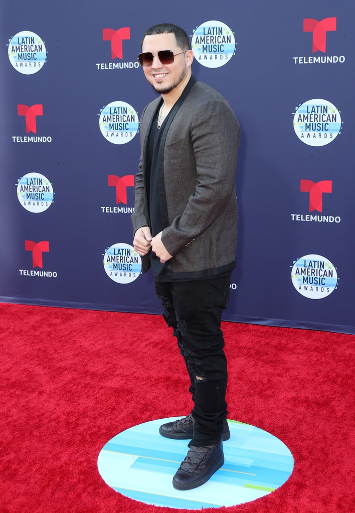 Iamchino attends the 2018 Latin American Music Awards at Dolby Theatre on Oct. 25, 2018 in Hollywood, Calif.