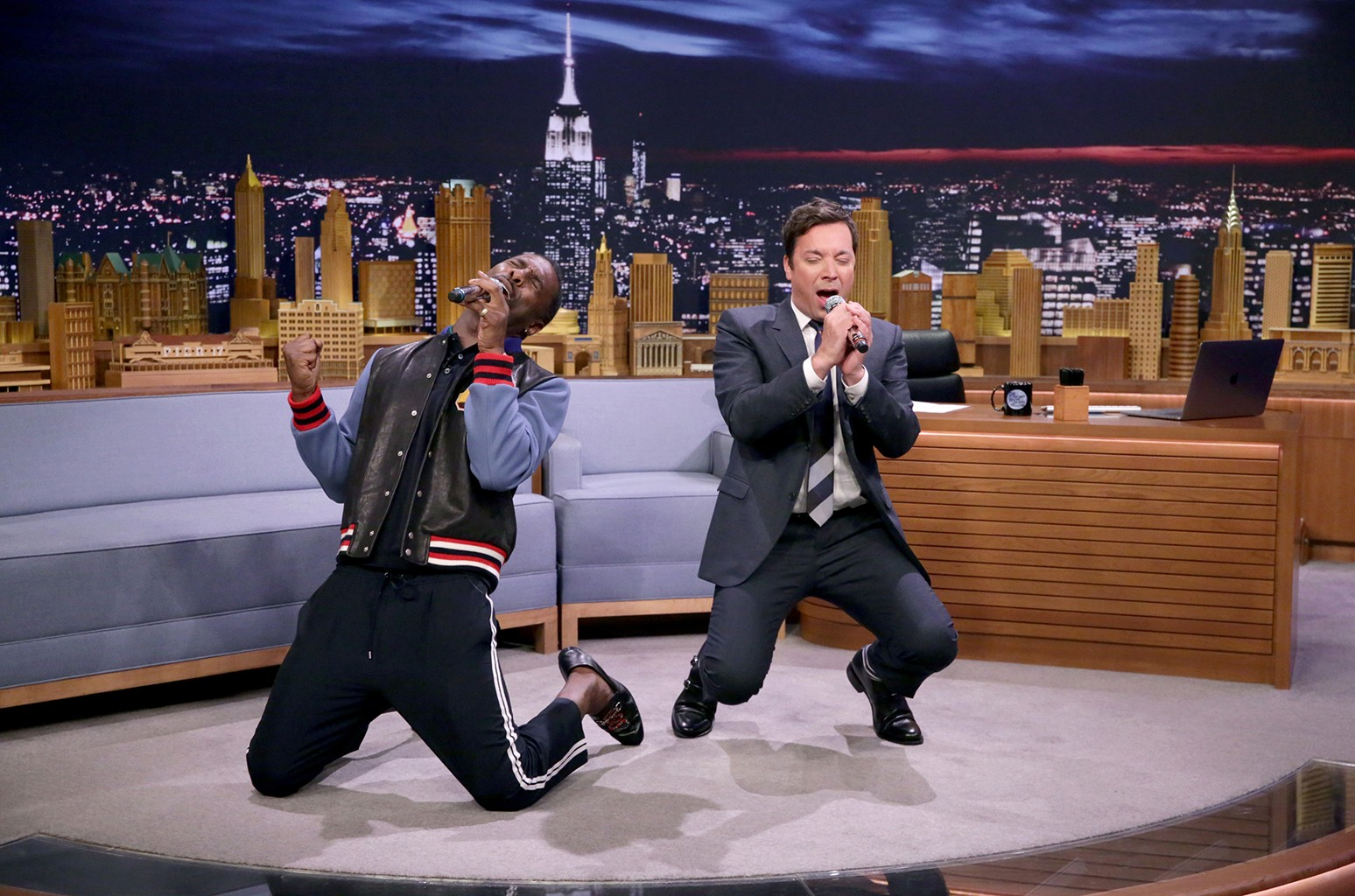 """Idris Elba and Jimmy Fallon during """"Google Translate Songs"""" on The Tonight Show Starring Jimmy Fallon on July 31, 2017."""