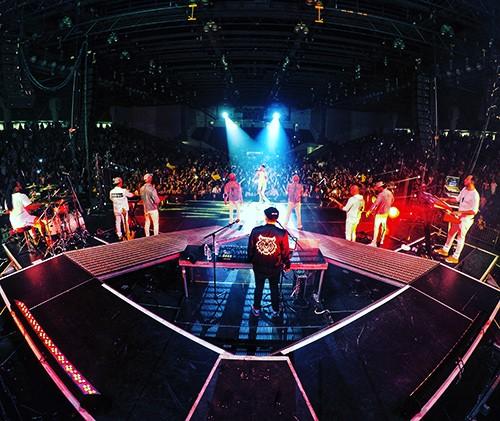 J Balvin Tour, 2015