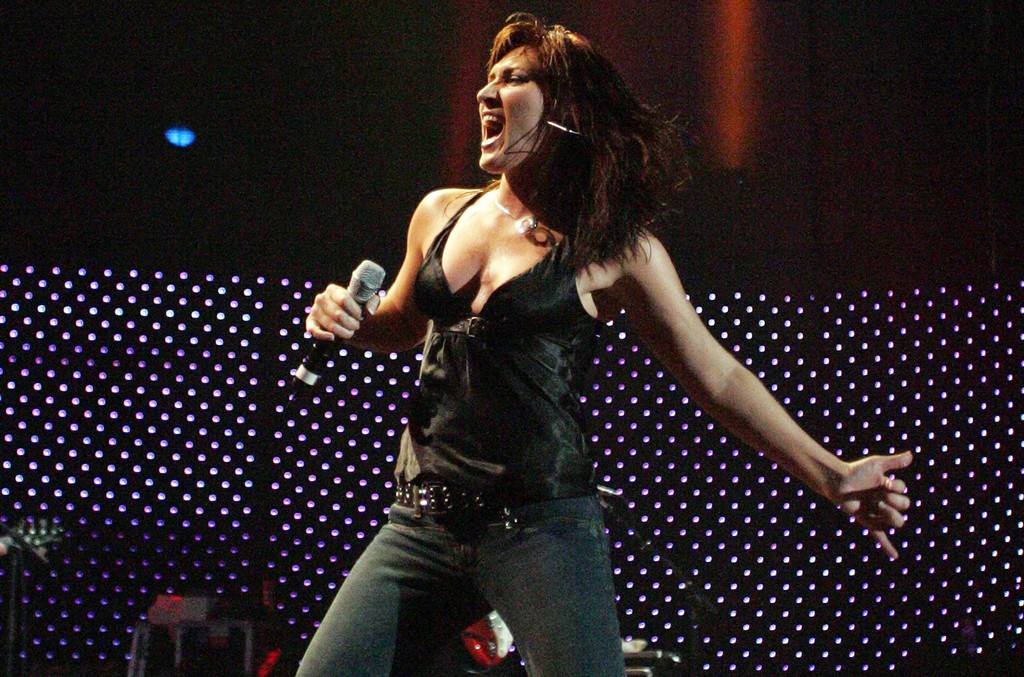 Jo Dee Messina performs in 2005