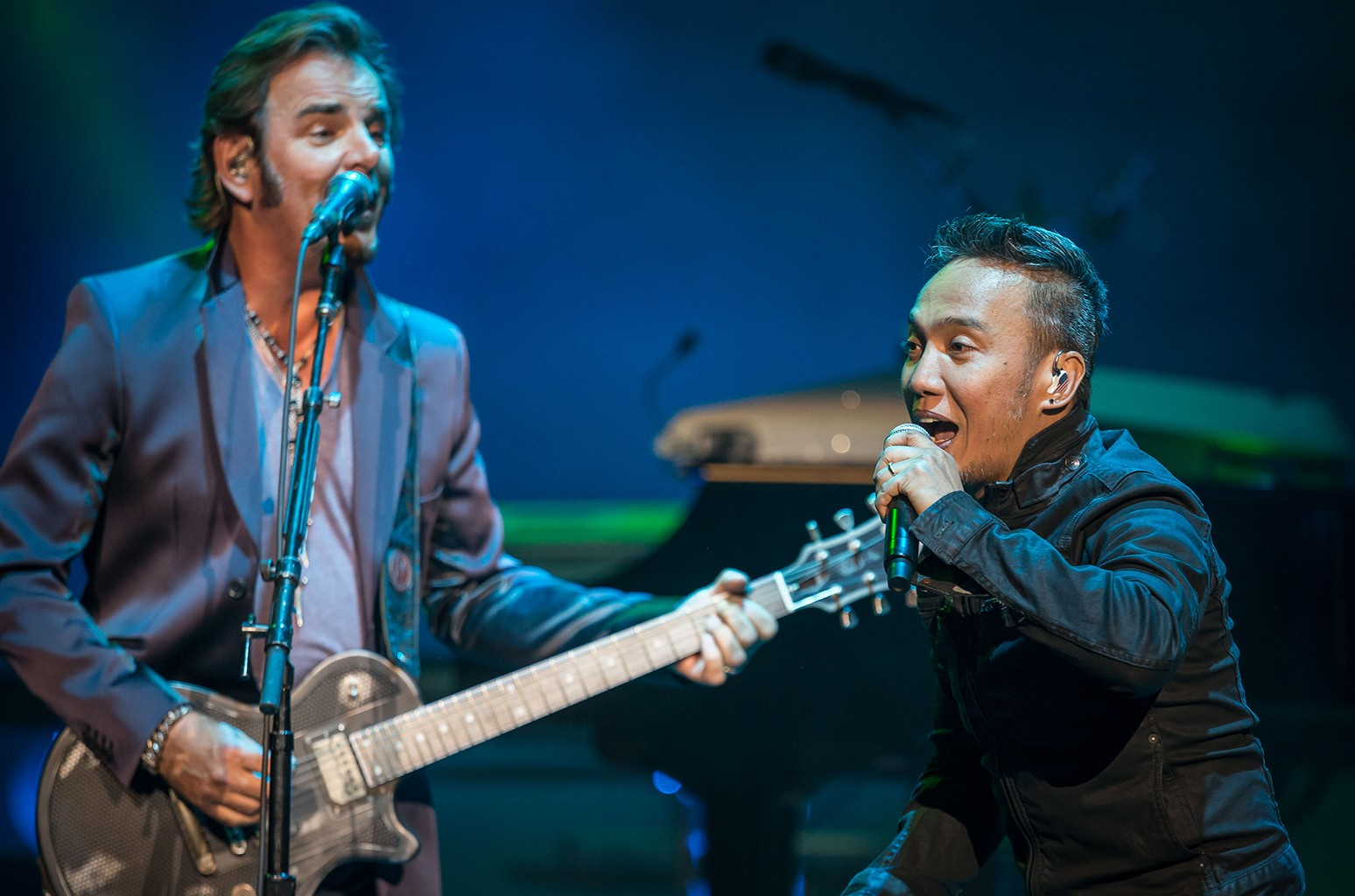 Jonathan Cain and Arnel Pineda of Journey