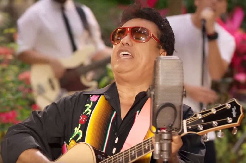 "Juan Gabriel in the video for ""Have You Ever Seen The Rain? (Gracias al Sol)"""