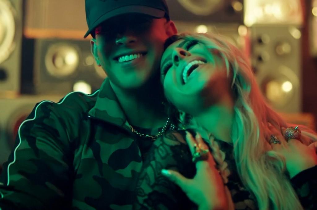 "Kim Viera and Daddy Yankee ""Como"""