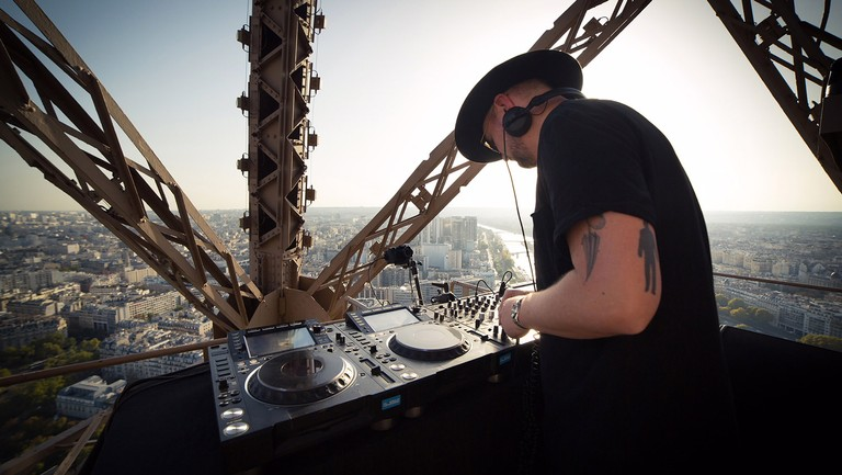 <p>Kolsch&nbsp&#x3B;performs on top of the Eiffel Tower in Paris.</p>