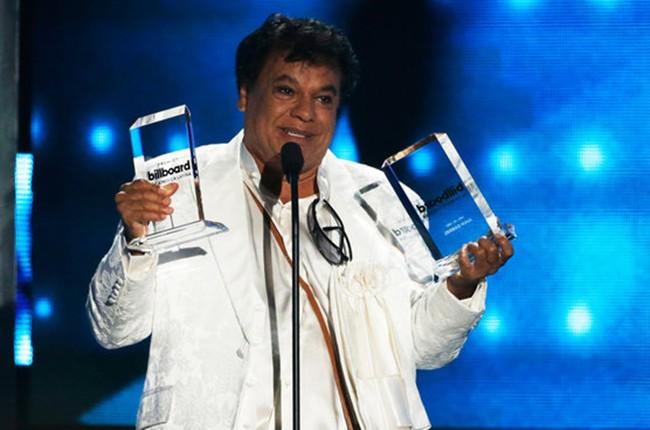 LATIN-AWARDS-2016-Juan-Gabriel-show-billboard-1000_0