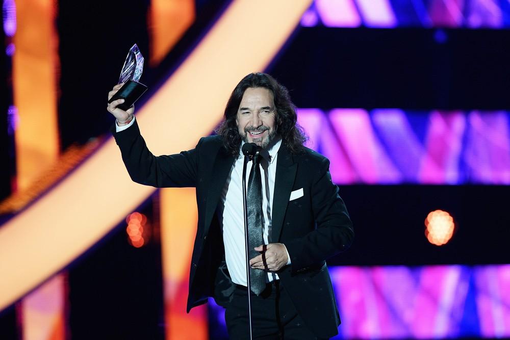 LATIN-AWARDS-2016-Marco-Antonio-Solis-show-billboard-1000