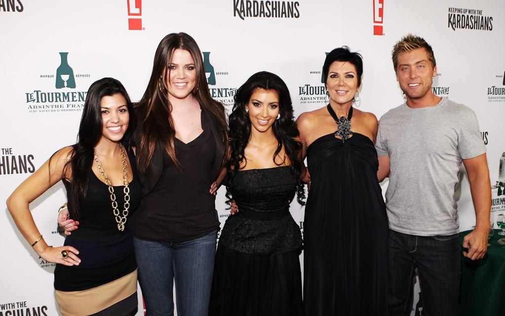 Kourtney Kardashian, Khloe Kardashian, Kim Kardashian, Kris Jenner & Lance Bass