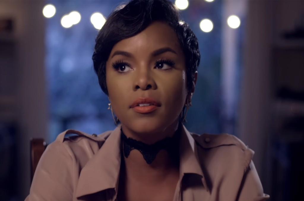 LeToya Luckett in the video for Back 2 Life