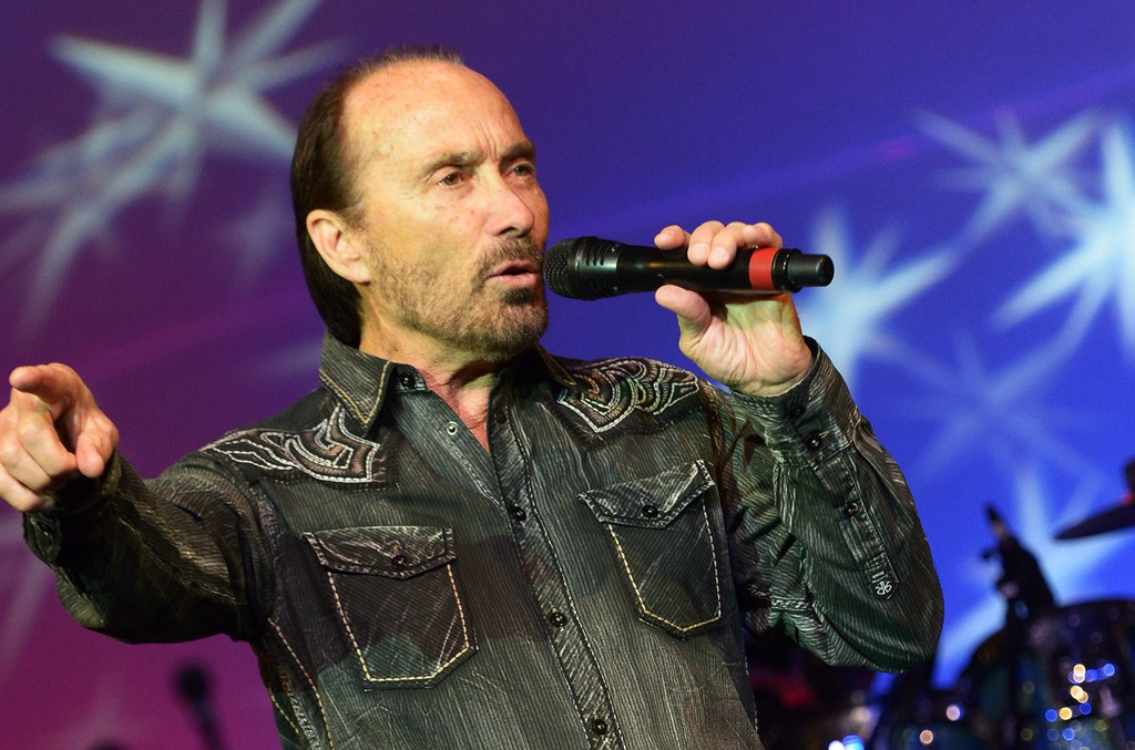 Lee-Greenwood-stage-billboard-a-1548