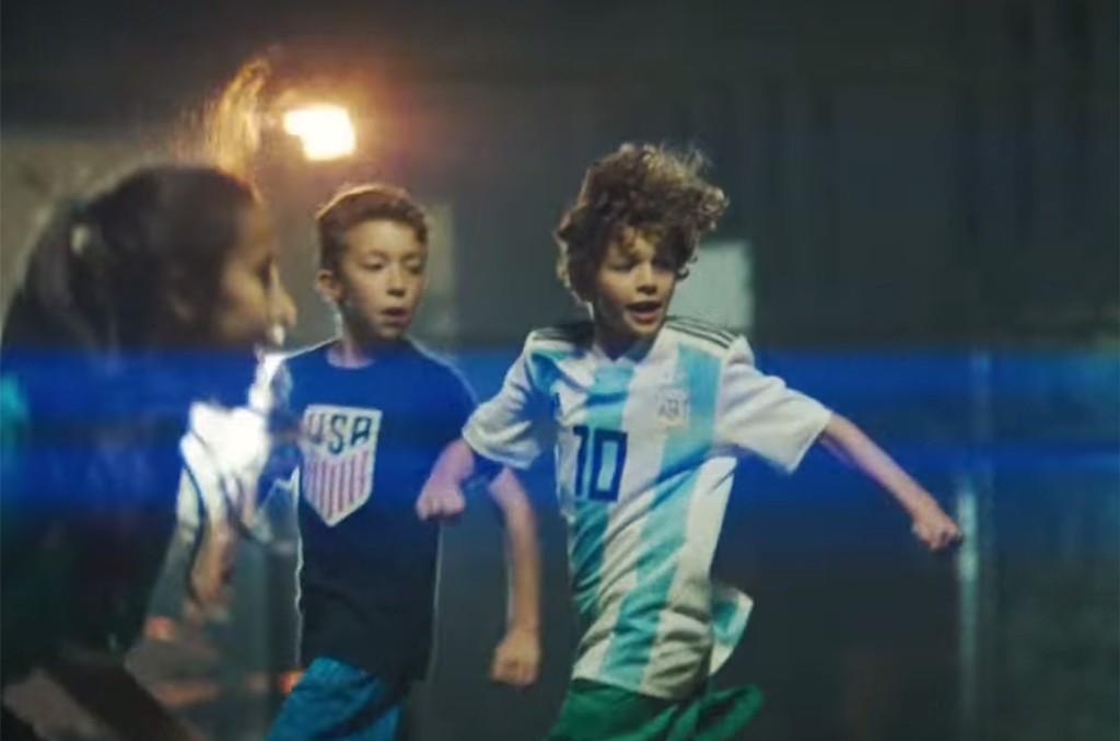 Levantar-la-Copa-del-Mundo-es-un-Sueno-de-Campeones-screenshot-billboard-1548