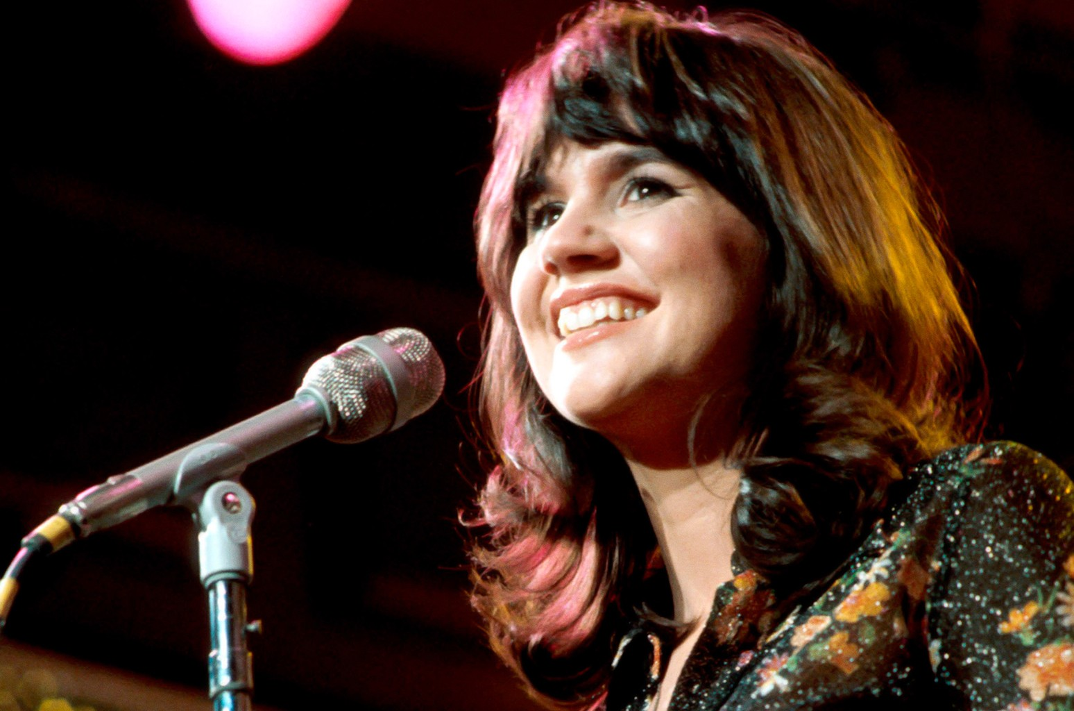 Linda Ronstadt performs at the New Year's Rockin' Eve in 1974.