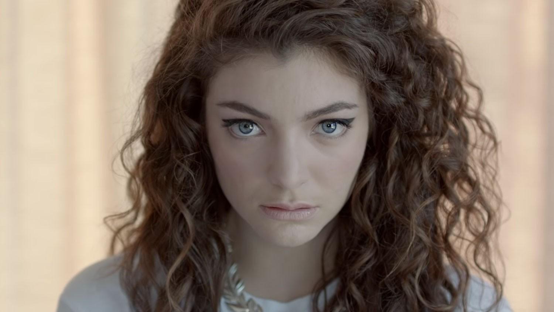 "Lorde ""Royals"""