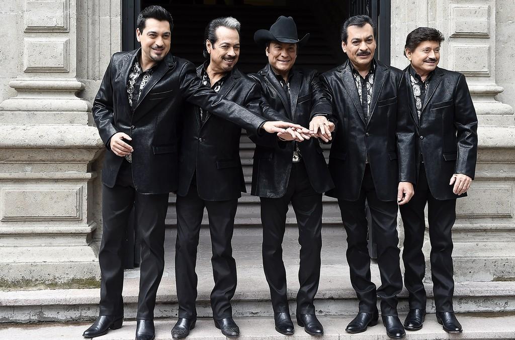 Los Tigres del Norte pose in Mexico City