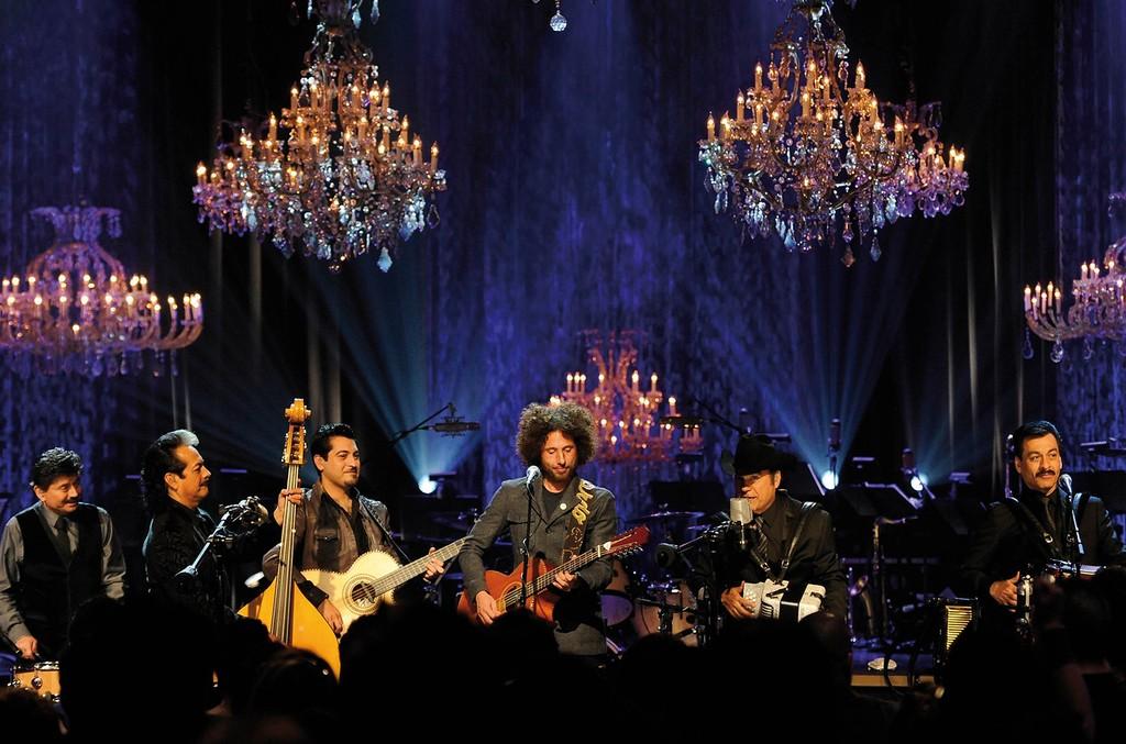 Los Tigres del Norte and Zack de la Rocha on MTV Unplugged