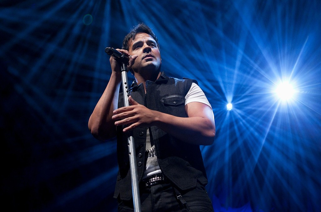 Luis Fonsi performs at Circo Price Theatre on July 3, 2012 in Madrid, Spain.