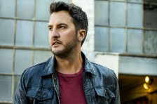 Luke Bryan Pushes Back Album & Tour Launch Amid Coronavirus Pandemic