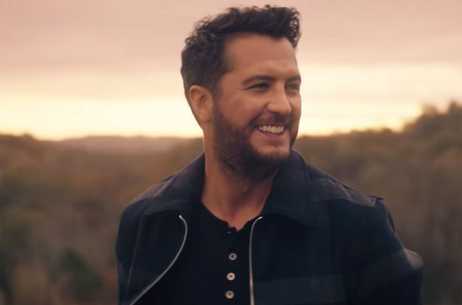 "Luke Bryan ""What Makes You Country"""