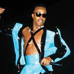 Chart Rewind: In 1990, MC Hammer Nailed Down the No. 1 Spot on the Billboard 200