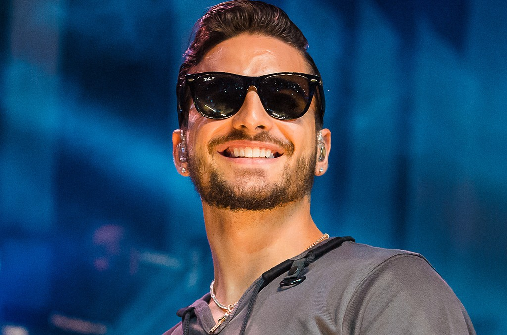 Maluma performs live on stage at Espaco das Americas on April 30, 2017 in Sao Paulo, Brazil.