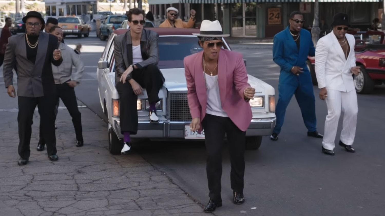 "Mark Ronson feat. Bruno Mars ""Uptown Funk"""