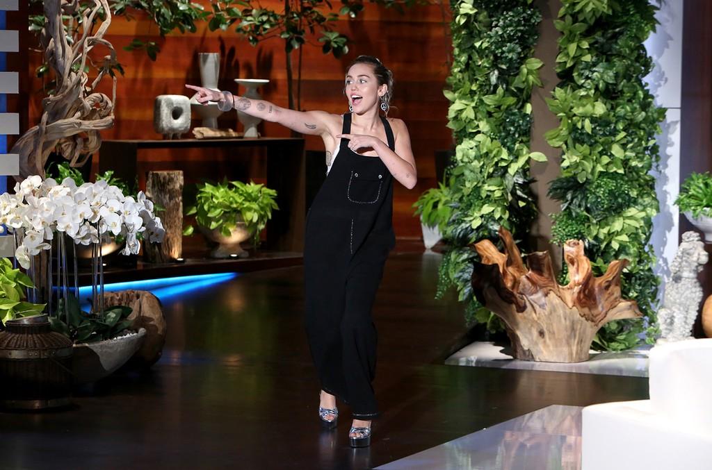 Miley Cyrus joins The Ellen DeGeneres Show on October 27, 2016.