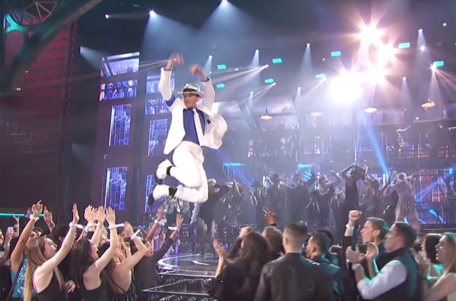 "Neil Patrick Harris Performs ""Smooth Criminal"" on Lip Sync Battle."