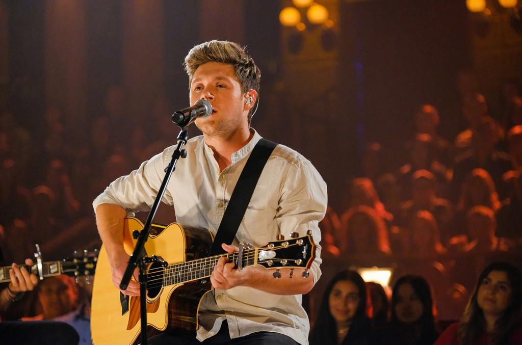 Niall-Horan-performs-on-James-Corden-oct-2016-billboard-1548