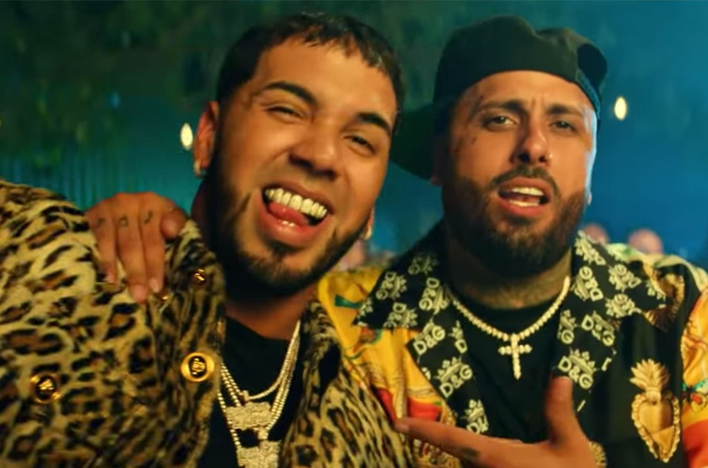 Nicky Jam Anuel AA Whine Up