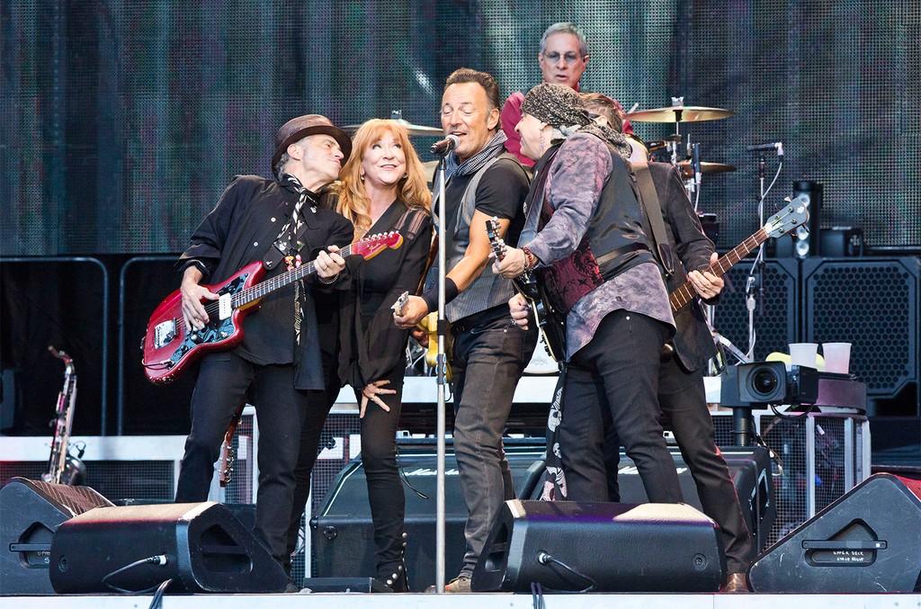 Nils Lofgren, Patti Scialfa, Bruce Springsteen, Steven Van Zandt and Max Weinberg