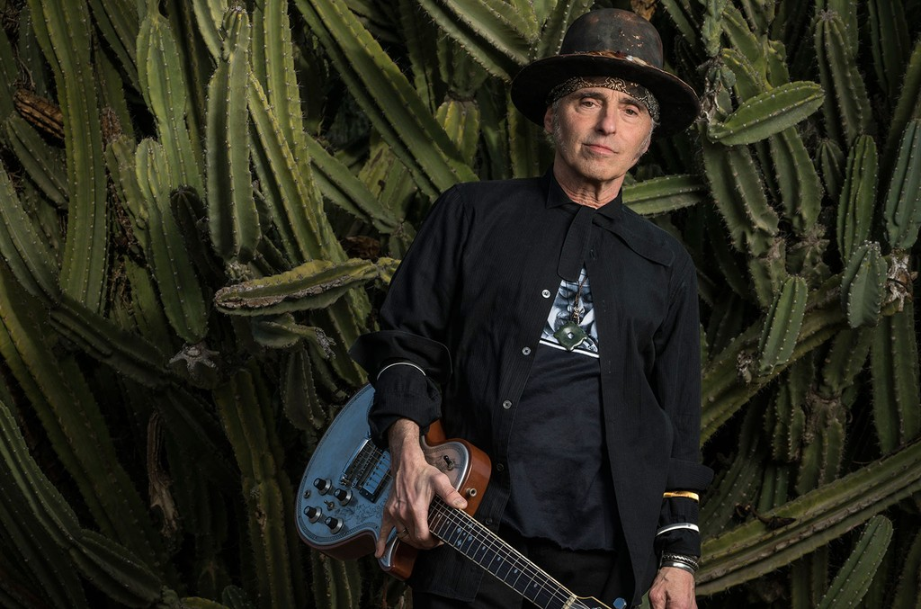 Nils Lofgren on Reuniting With Crazy Horse & Neil Young: 'It Can Be Challenging'