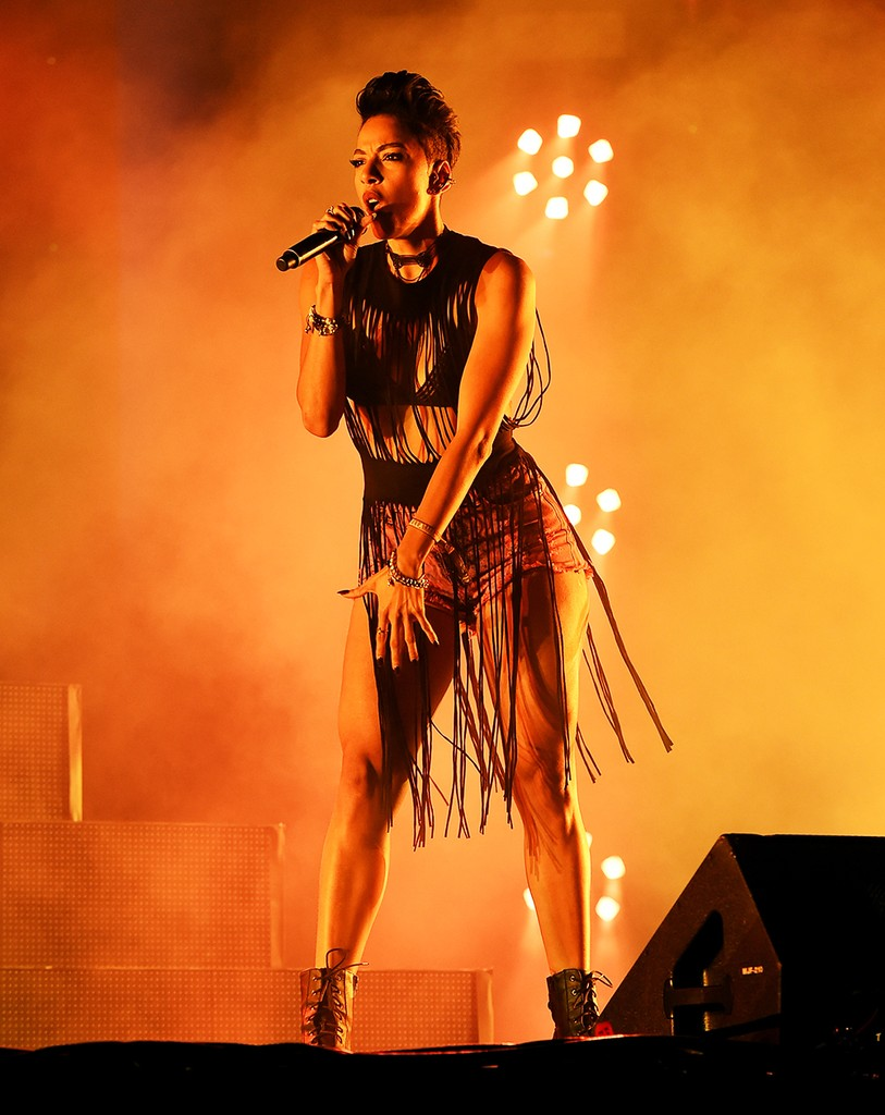 Nyla Thorbourne performs onstage with Major Lazer