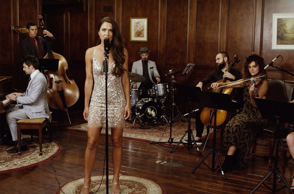 "Postmodern Jukebox and Annie Bosko cover Avril Lavigne's ""Complicated"""