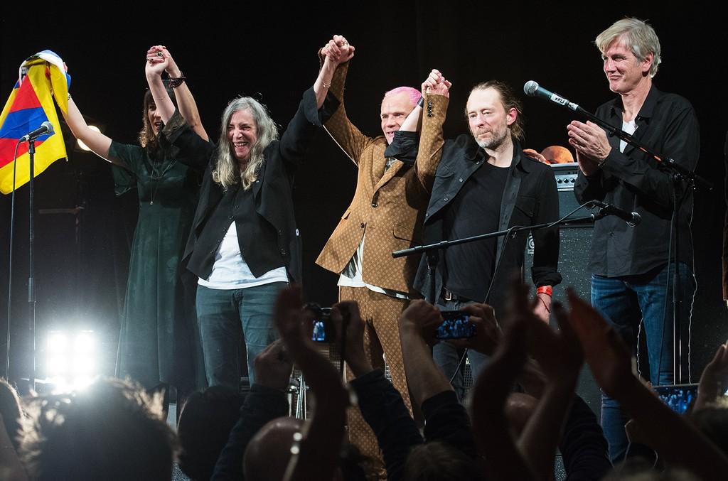 Jesse Paris Smith, Patti Smith, Thom Yorke, Flea and Tony Shanahan