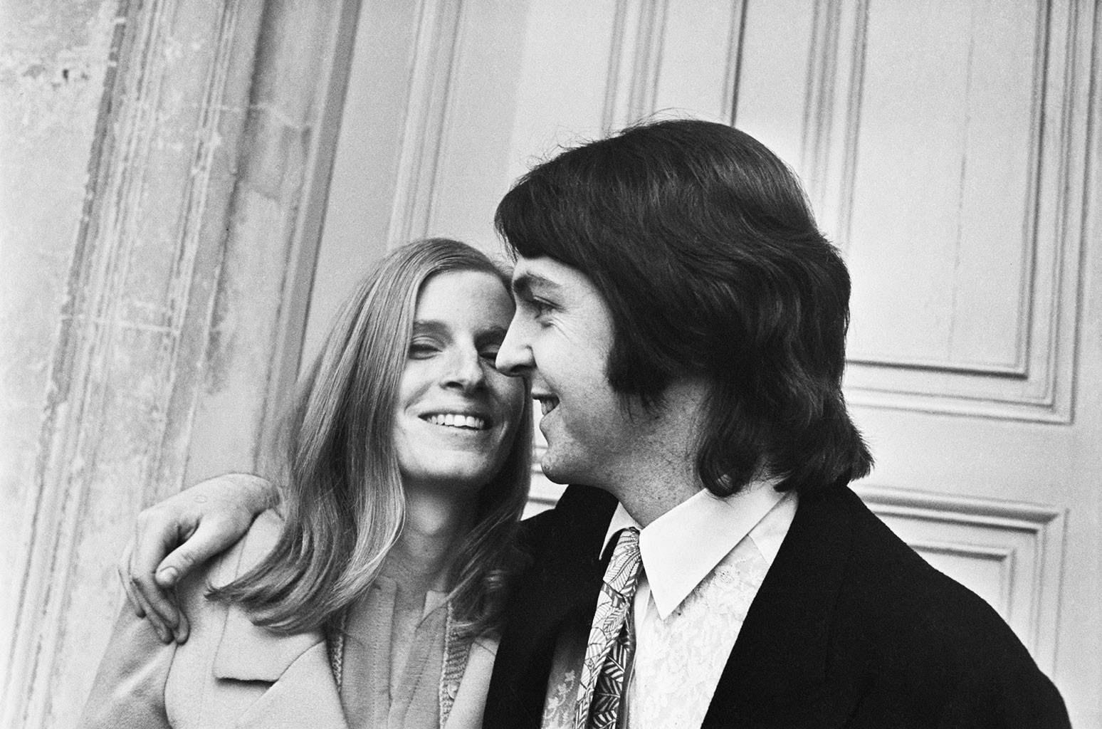 Paul McCartney marries American musician and photographer Linda Eastman
