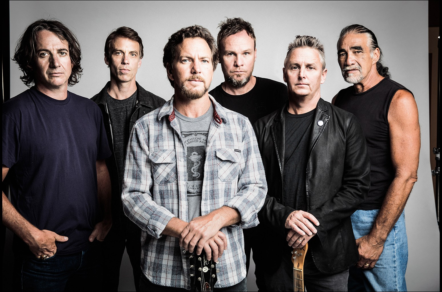 Longtime Pearl Jam Manager Kelly Curtis Retires: Exclusive