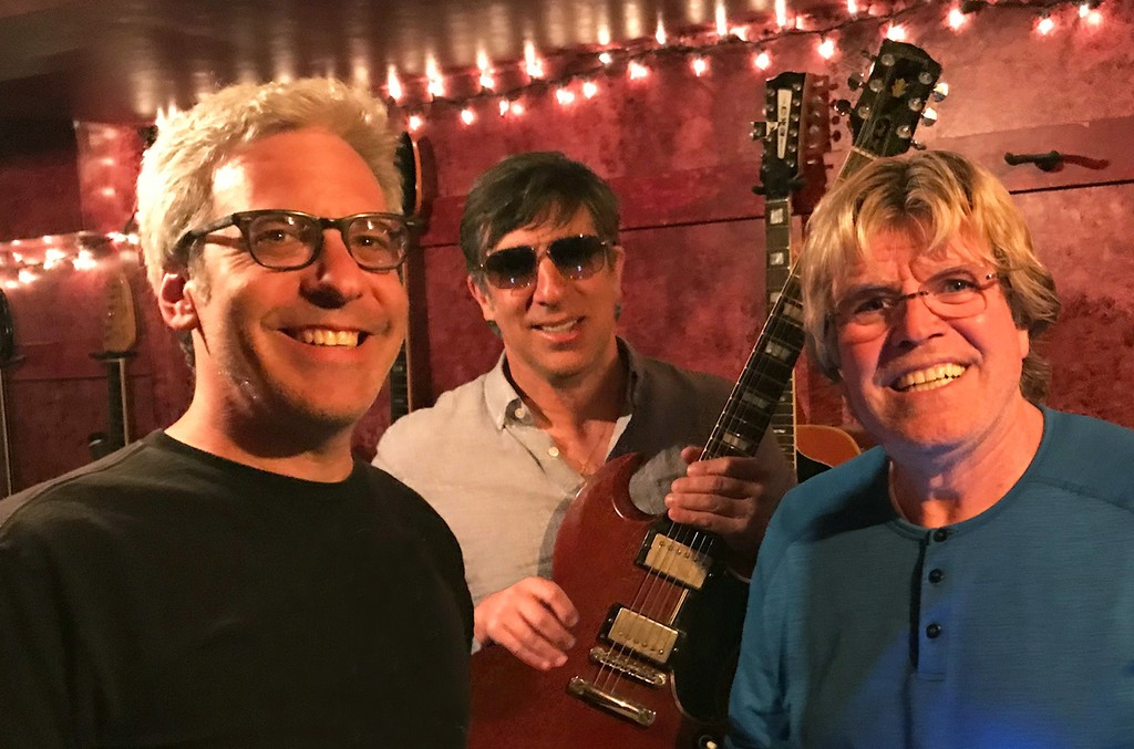 L to R: The Red Button (Mike Ruekberg and Seth Swirsky) with Peter Noone