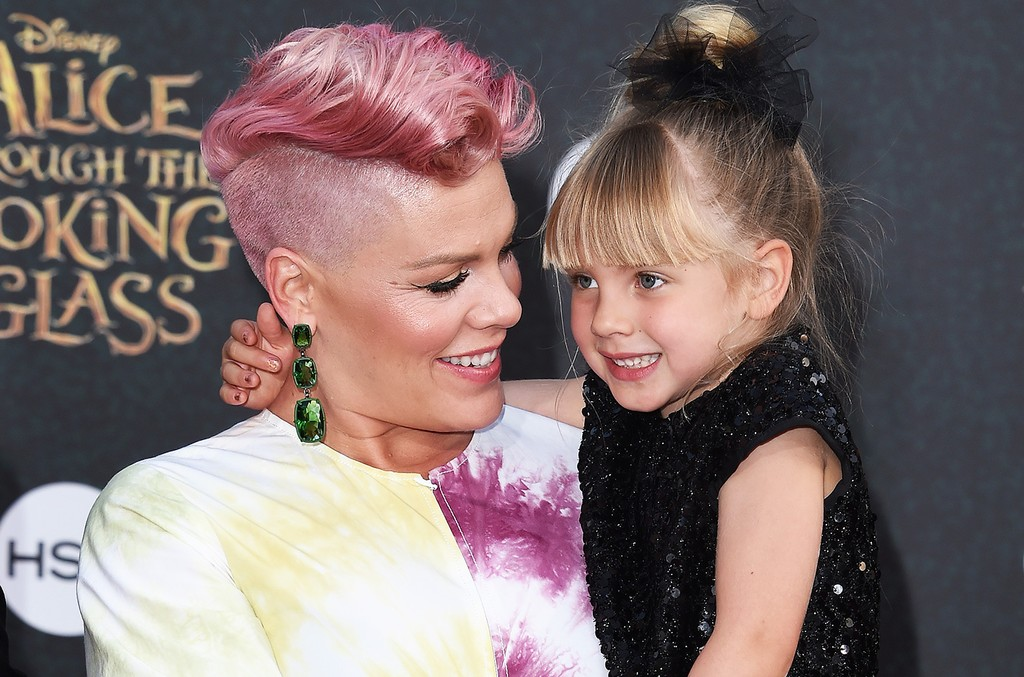 Pink and daughter Willow Sage Hart arrive at the premiere of Disney's 'Alice Through The Looking Glass' at the El Capitan Theatre on May 23, 2016 in Hollywood, Calif.