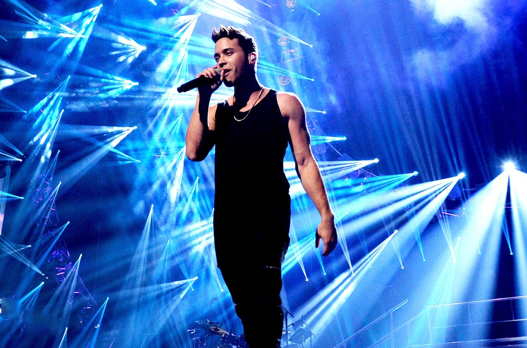 Prince Royce performs at the 2015 iHeartRadio Music Festival