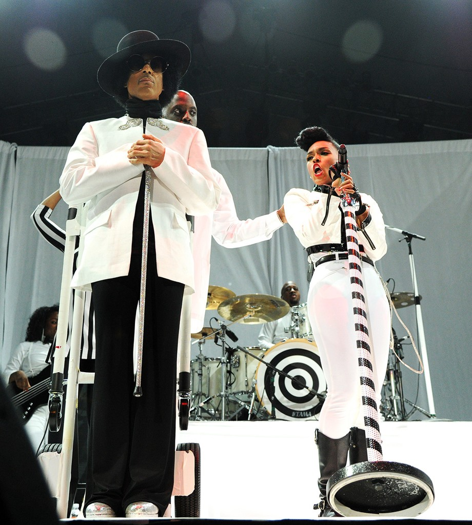 Prince performs with Janelle Monae