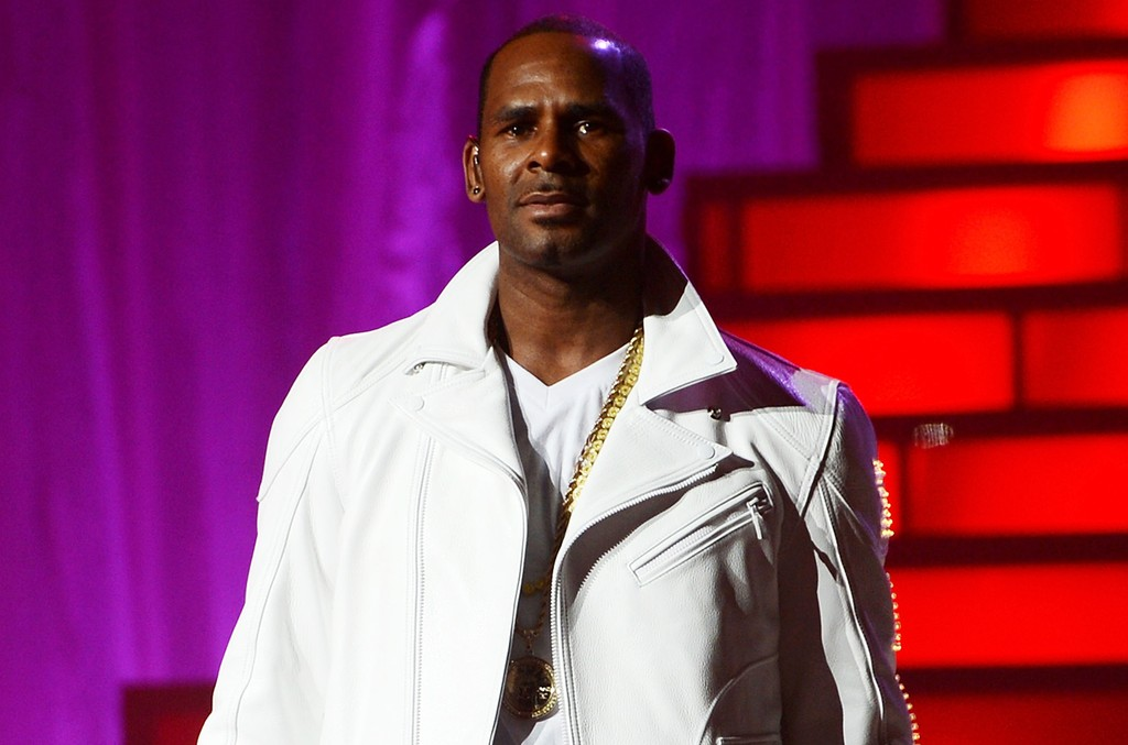 R. Kelly performs at MSG Theater on Nov. 21, 2012 in New York City.