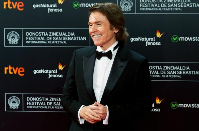 Raphael attends 'Mi Gran Noche' premiere San Sebastian Film Festival 2015